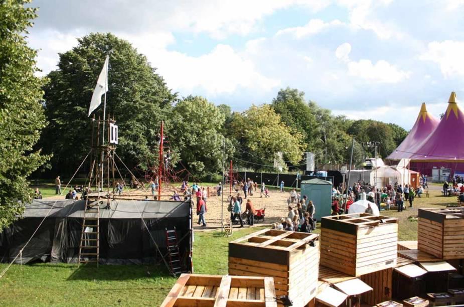 <strong>Noorderzon, Groningen</strong>        Em 11 dias, os espectadores podem conferir manifestações de teatro, artes plásticas dança e música.
