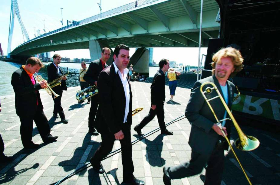 <strong>Festival de Jazz do Mar do Norte, Roterdã </strong>    O principal evento de jazz da Holanda acontece do dia 11 de julho até o dia 13 do mesmo mês. A cada ano, mais de 65.000 visitantes conferem os 1.300 artistas que se apresentam em 15 palcos em Ahoy, Rotterdam.