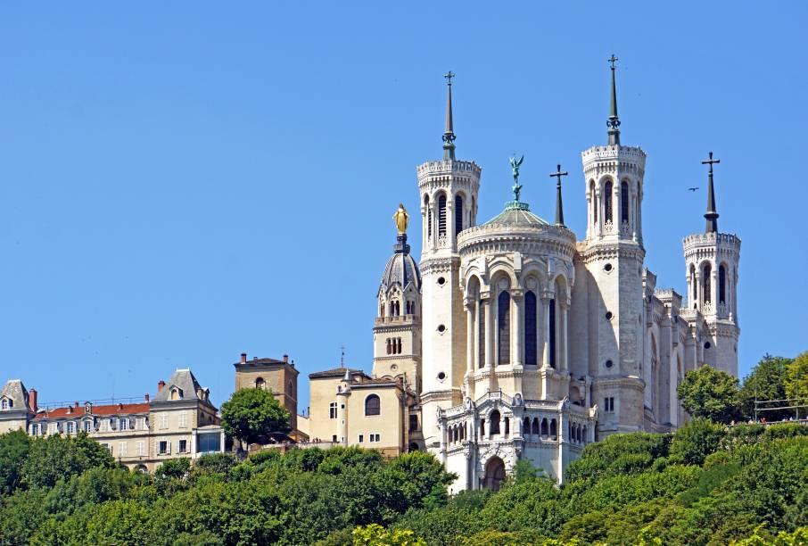 """A Notre Dame de Fourvière é uma das igrejas mais bonitas que você irá visitar na <a href=""""http://viajeaqui.abril.com.br/materias/franca-paris-lyon-avignon"""" rel=""""França"""" target=""""_blank"""">França</a>"""