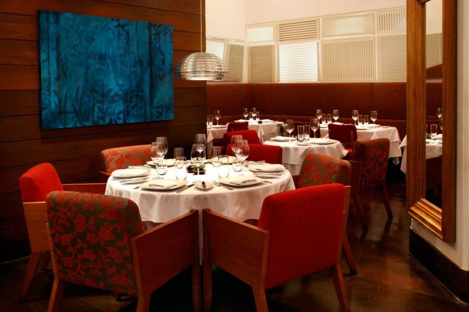 Salão do restaurante Olympe