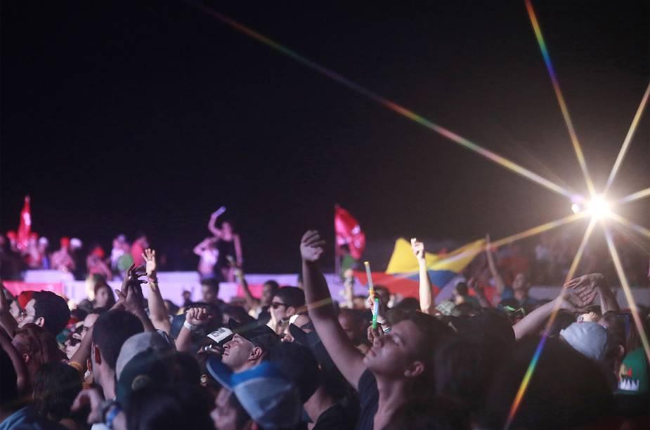 Entre os dias 3 e 5 de janeiro, ocorre a festa de música eletrônica Summerland, em Cartagena, Colômbia