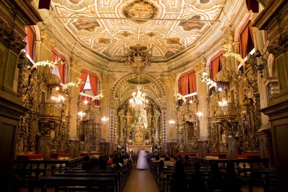 A igreja é um dos grandes exemplares de arte barroca no Brasil