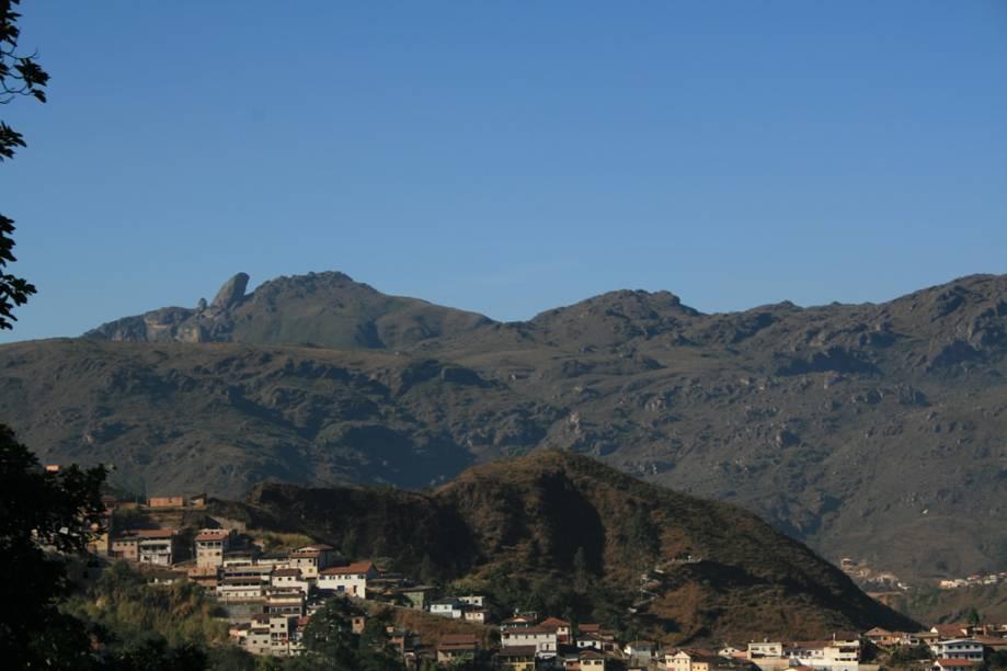 Pico do Itacolomi, uma das visões que se tem da cidade de Ouro Preto (MG)
