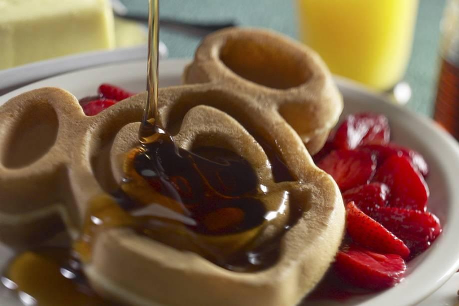 """Waffle no formato da cara do personagem """"Mickey"""", servido no Magic Kingdom"""