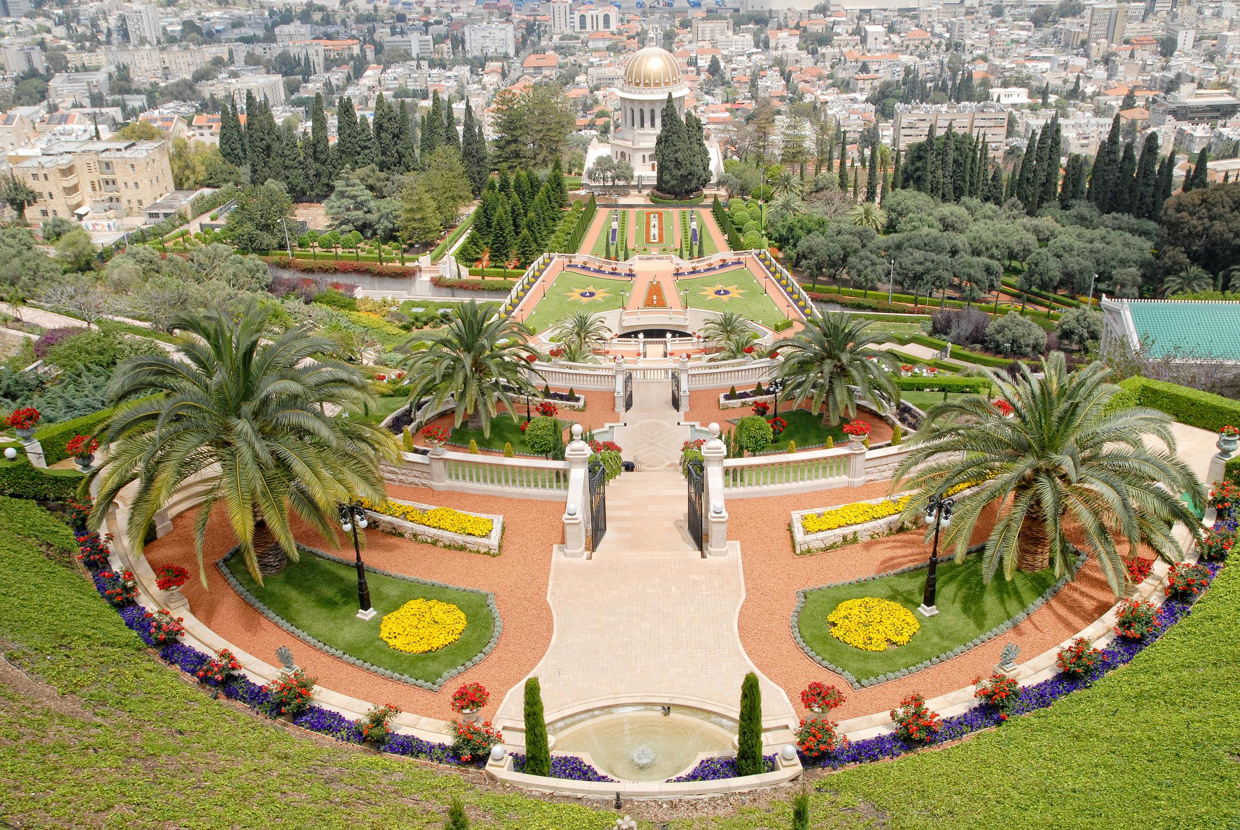 Jardim ornamental do templo Baha'i em Haifa, Israel