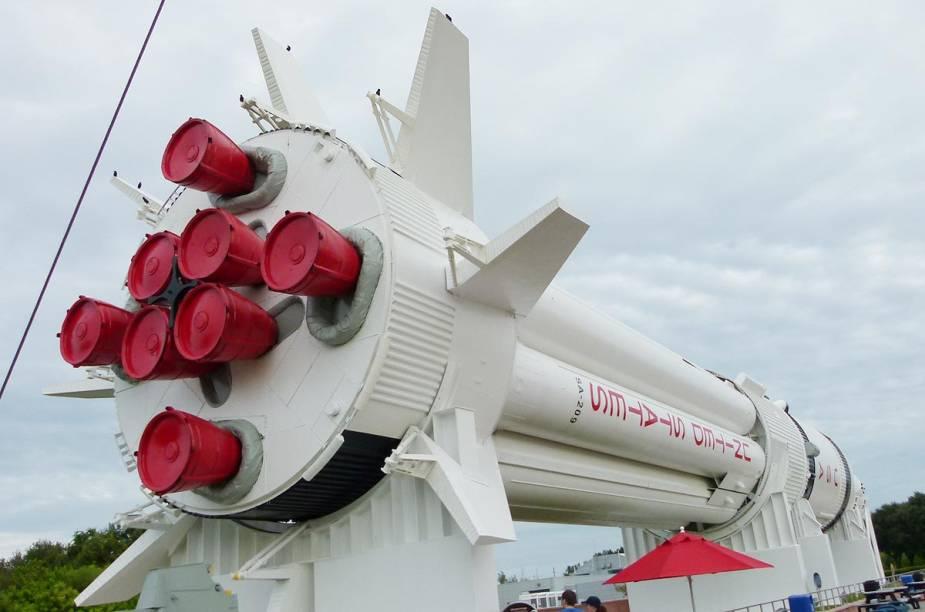 """Foguetes espaciais que fizeram história estão expostos no """"Rocket Garden"""""""