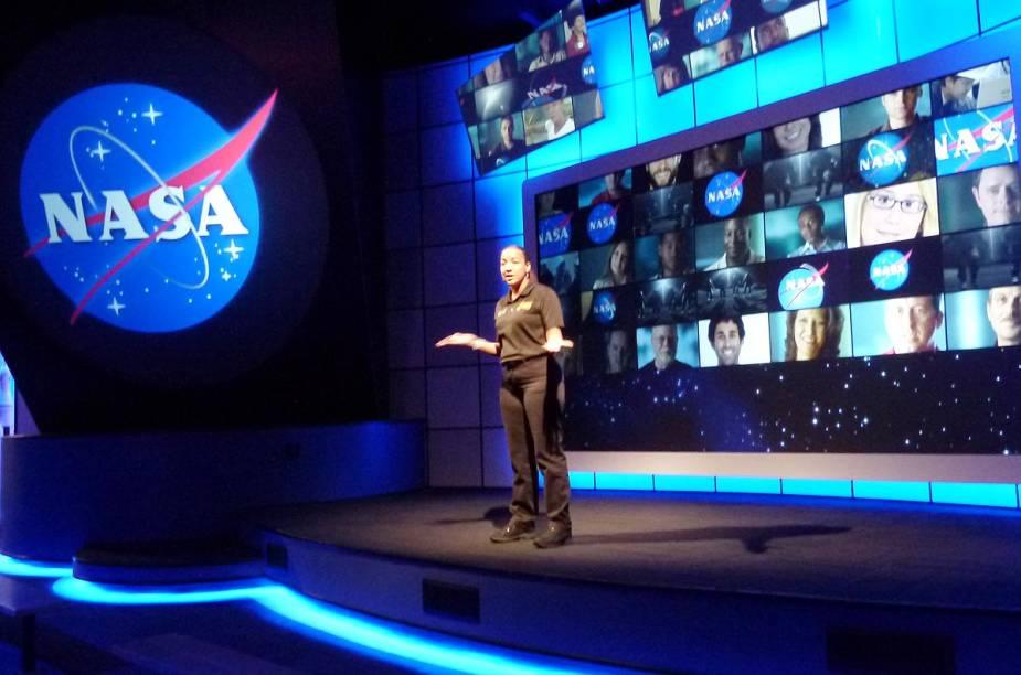 """A área """"Journey To Mars: Explorers Wanted"""" é perfeita para quem quer botar em prática o sonho de viajar para fora da Terra: nela, há vídeos, exposições e informações sobre engenharia espacial e o futuro da exploração do espaço - com foco no planeta Marte"""