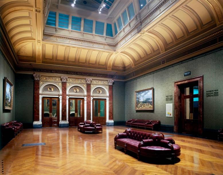 Na Trafalgar Square, o museu londrino é uma das referências da Europa e expõe obras relevantes dos séculos 13 ao 20, com trabalhos de quase todos os renascentistas, impressionistas e modernistas mais importantes.<strong>Grátis diariamente.</strong>