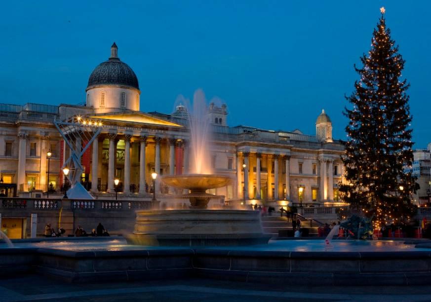 Fachada da National Gallery a partir da Trafalgar Square