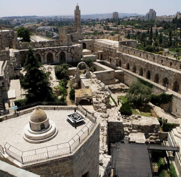 Vista geral da cidadela da Torre de Davi, em Jerusalém, que contém vários elementos islâmicos e um excelente museu sobre a história da cidade
