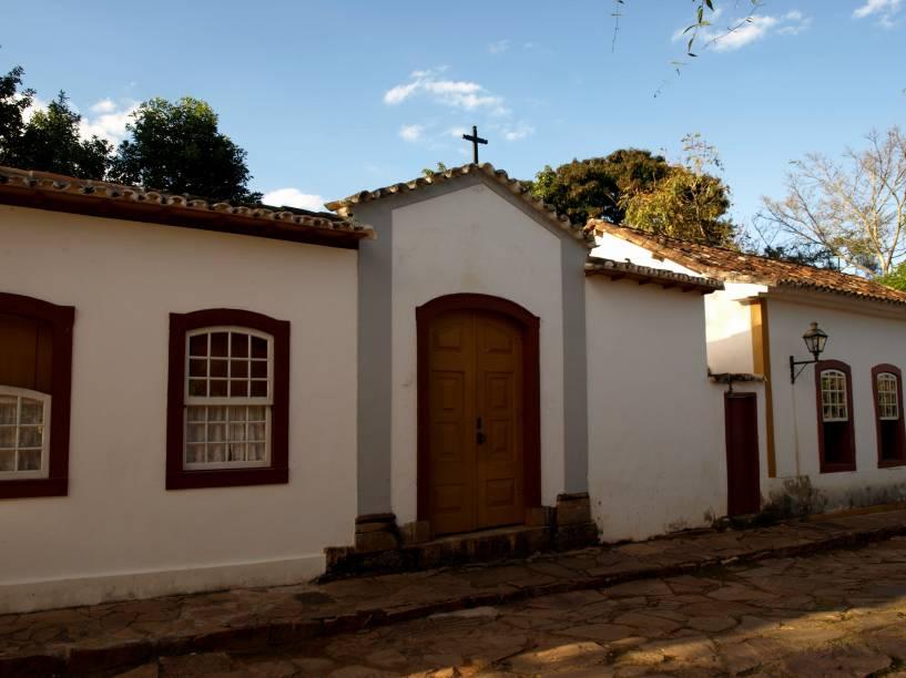 Procissões da via sacra são comuns em boa parte das cidades históricas brasileiras, tradição vinda de nossas raízes católicas. Em Tiradentes, Minas Gerais, as capelas das estações praticamente confundem-se com o bem preservado casario