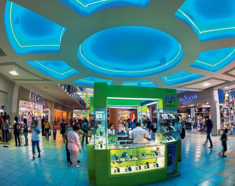 Compras à americana no sideral Albrook Mall