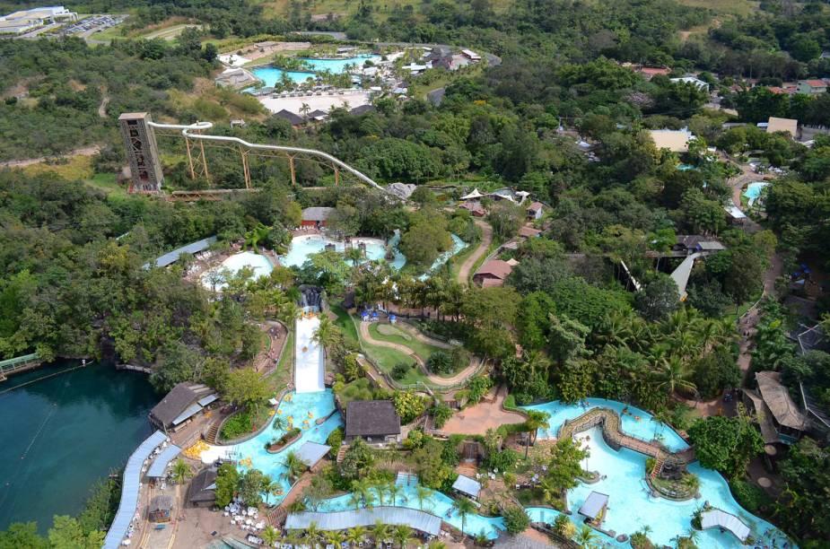 """<strong>7. <a href=""""http://viajeaqui.abril.com.br/estabelecimentos/br-go-rio-quente-atracao-hot-park"""" rel=""""Hot Park - Rio Quente, Goiás"""" target=""""_blank"""">Hot Park - Rio Quente, Goiás</a></strong>"""