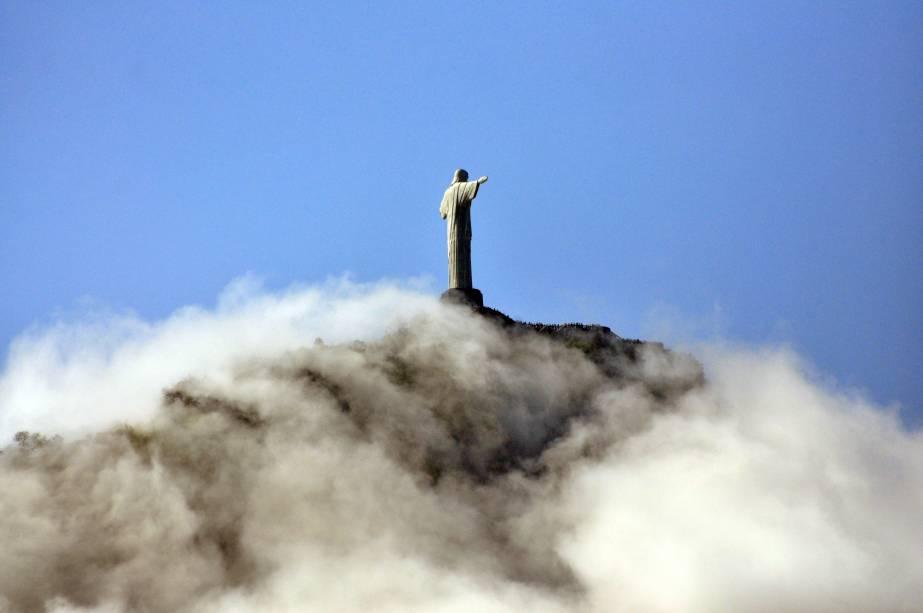 Para visitar o Cristo Redentor escolha um dia limpo: uma simples neblina pode tirar toda a graça do passeio