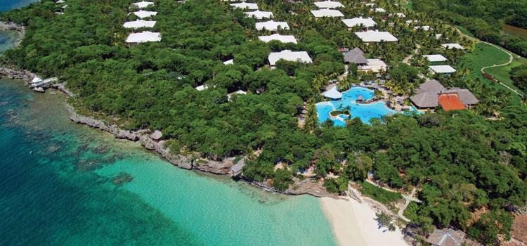 """<strong><a href=""""http://www.meliacuba.com/cuba-hotels/hotel-paradisus-riodeoro"""" rel=""""Paradisus Rio de Oro Resort & Spa"""" target=""""_blank"""">Paradisus Rio de Oro Resort & Spa</a> - <a href=""""http://viajeaqui.abril.com.br/paises/cuba"""" rel=""""Cuba"""" target=""""_blank"""">Cuba</a></strong>Eco-resort em completa harmonia com o ambiente ao seu redor. Está localizado a poucos quilômetros do Parque Nacional Bahía de Naranjo, na praia Calabacita, de frente para uma barreira de corais. Recebe apenas adultos, tem serviço personalizado com amplas opções gastronômicas, além de bebidas ilimitadas incluídas. Oferece diversas atividades náuticas, como snorkel, veleiros, caiaques, hidrobicicletas, pólo aquático e windsurfing. Em terra, atividades como yoga, meditação, tai chi, ping pong, arqueria, tiro com carabinas, vôlei, entre outras, vão te manter ocupado – se você se cansar de descansar"""