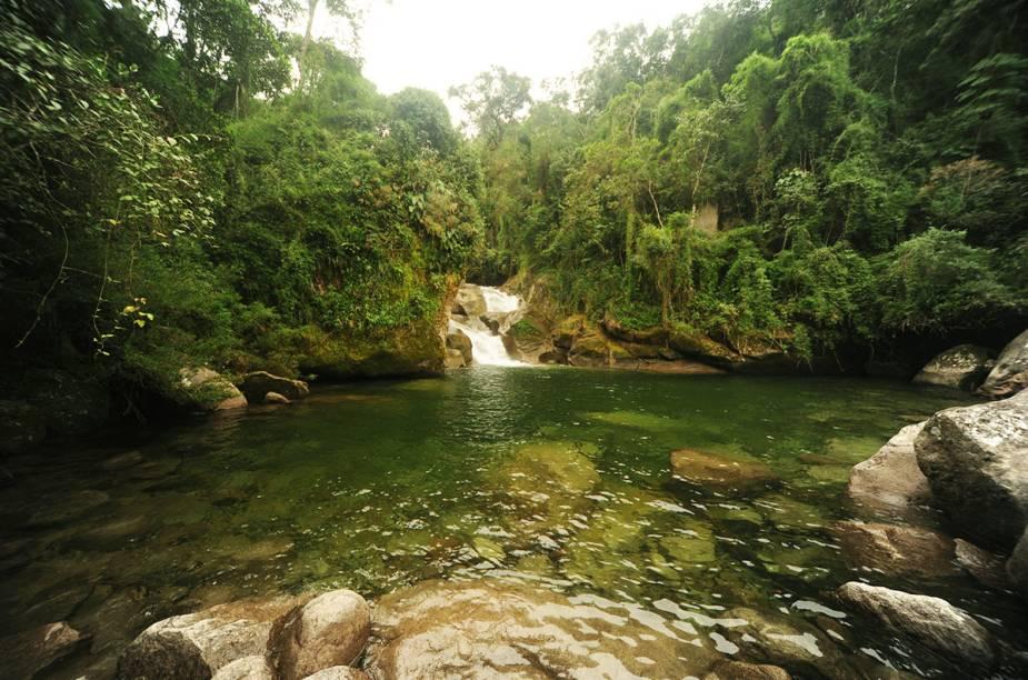 """A cidade hospeda o Parque Nacional do Itatiaia, o primeiro parque nacional brasileiro. A região tem uma extensão da Serra da Mantiqueira, o que atrai montanhistas de todo o país.<a href=""""https://www.booking.com/searchresults.pt-br.html?aid=332455&lang=pt-br&sid=eedbe6de09e709d664615ac6f1b39a5d&sb=1&src=searchresults&src_elem=sb&error_url=https%3A%2F%2Fwww.booking.com%2Fsearchresults.pt-br.html%3Faid%3D332455%3Bsid%3Deedbe6de09e709d664615ac6f1b39a5d%3Bcity%3D-646567%3Bclass_interval%3D1%3Bdest_id%3D-647191%3Bdest_type%3Dcity%3Bdtdisc%3D0%3Bfrom_sf%3D1%3Bgroup_adults%3D2%3Bgroup_children%3D0%3Binac%3D0%3Bindex_postcard%3D0%3Blabel_click%3Dundef%3Bno_rooms%3D1%3Boffset%3D0%3Bpostcard%3D0%3Braw_dest_type%3Dcity%3Broom1%3DA%252CA%3Bsb_price_type%3Dtotal%3Bsearch_selected%3D1%3Bsrc%3Dsearchresults%3Bsrc_elem%3Dsb%3Bss%3DIporanga%252C%2520%25E2%2580%258BS%25C3%25A3o%2520Paulo%252C%2520%25E2%2580%258BBrasil%3Bss_all%3D0%3Bss_raw%3DIporanga%3Bssb%3Dempty%3Bsshis%3D0%3Bssne_untouched%3DIlhabela%26%3B&ss=Itatiaia%2C+%E2%80%8BRio+de+Janeiro%2C+%E2%80%8BBrasil&ssne=Iporanga&ssne_untouched=Iporanga&city=-647191&checkin_monthday=&checkin_month=&checkin_year=&checkout_monthday=&checkout_month=&checkout_year=&no_rooms=1&group_adults=2&group_children=0&highlighted_hotels=&from_sf=1&ss_raw=Itatiaia&ac_position=0&ac_langcode=xb&dest_id=-647956&dest_type=city&search_pageview_id=88c17288139b00d4&search_selected=true&search_pageview_id=88c17288139b00d4&ac_suggestion_list_length=5&ac_suggestion_theme_list_length=0"""" target=""""_blank"""" rel=""""noopener""""><em>Busque hospedagens em Itatiaia</em></a>"""