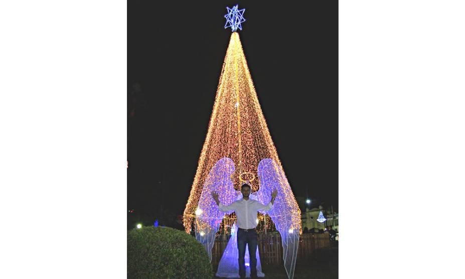 Natal Encantado de Poços de Caldas (MG), com a árvore natalina central