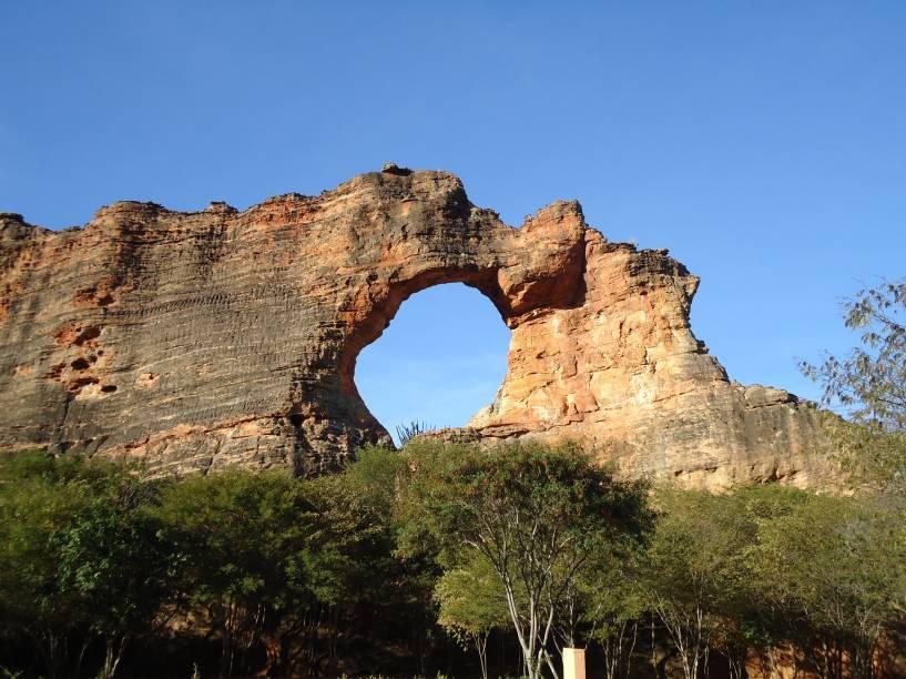 A Pedra Furada é o símbolo e cartão-postal do Parque da Serra da Capivara