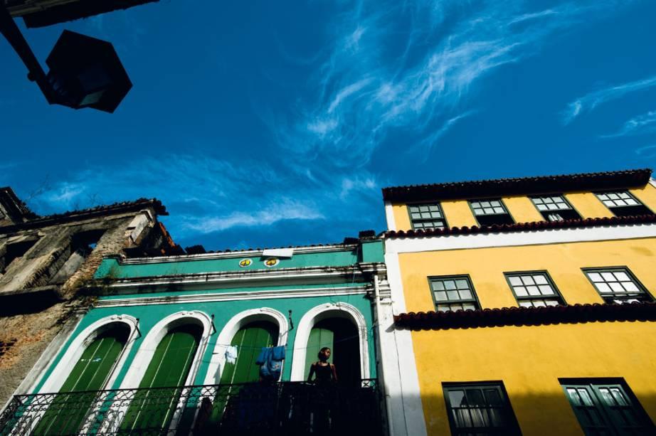 """Casario colorido, marca registrada do <a href=""""http://viajeaqui.abril.com.br/estabelecimentos/br-ba-salvador-atracao-pelourinho"""" rel=""""Pelourinho"""" target=""""_blank"""">Pelourinho</a>, em Salvador"""