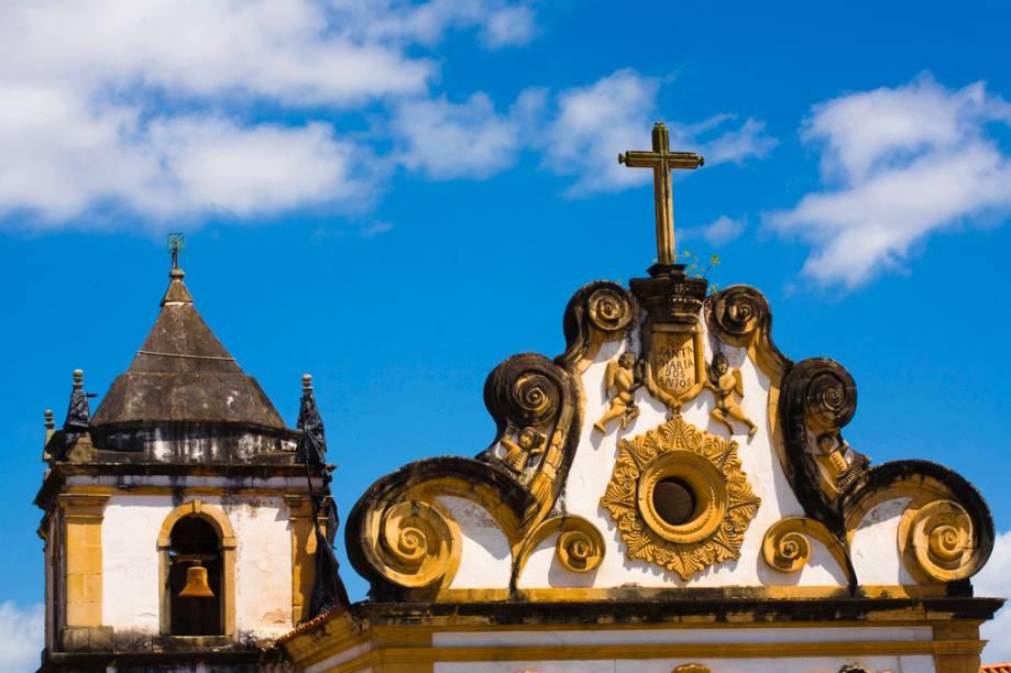 O Centro Histórico pode ser percorrido a pé, na foto o Convento de São Francisco e Igreja de Santa Maria dos Anjos