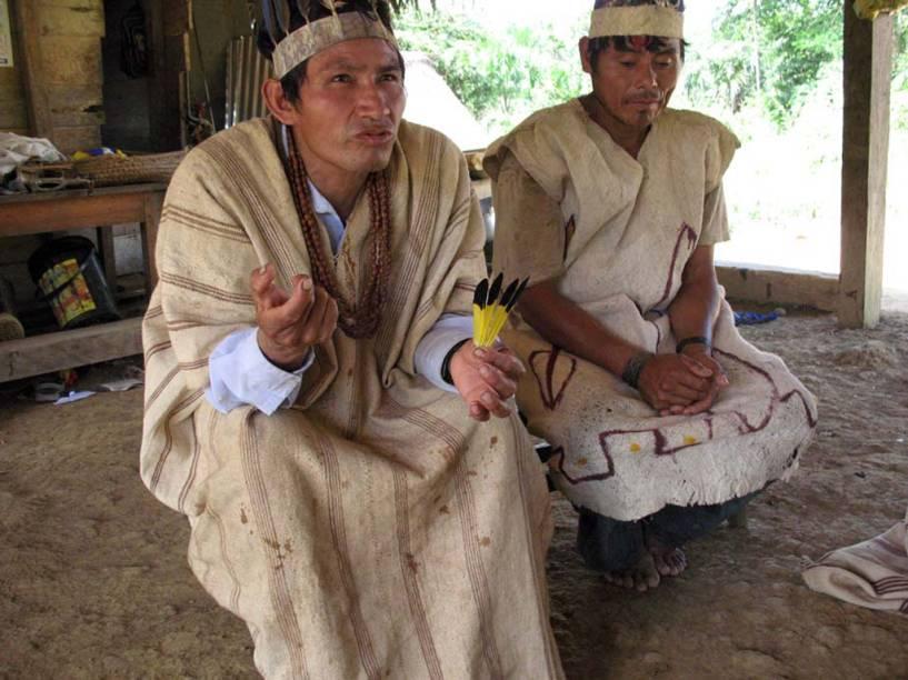 <strong>Eschuva </strong>são os cantos religiosos do povo indígena Huachipaire, que vive na selva amazônica, ao sul do <strong>Peru</strong>. Com o objetivo de curar os doentes, o canto invoca os espíritos da natureza durante as cerimônias