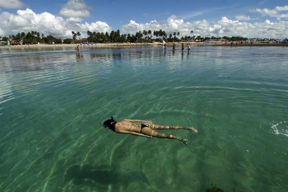 As piscinas naturais, mornas e cristalinas tornaram Porto de Galinhas um dos principais destinos do Nordeste