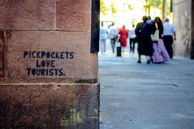 pickpockets-love-tourists