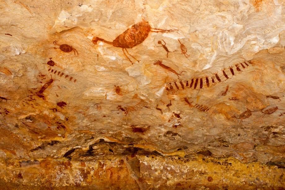 Os primeiros vestígios pré-históricos descobertos na região foram encontrados em 1973