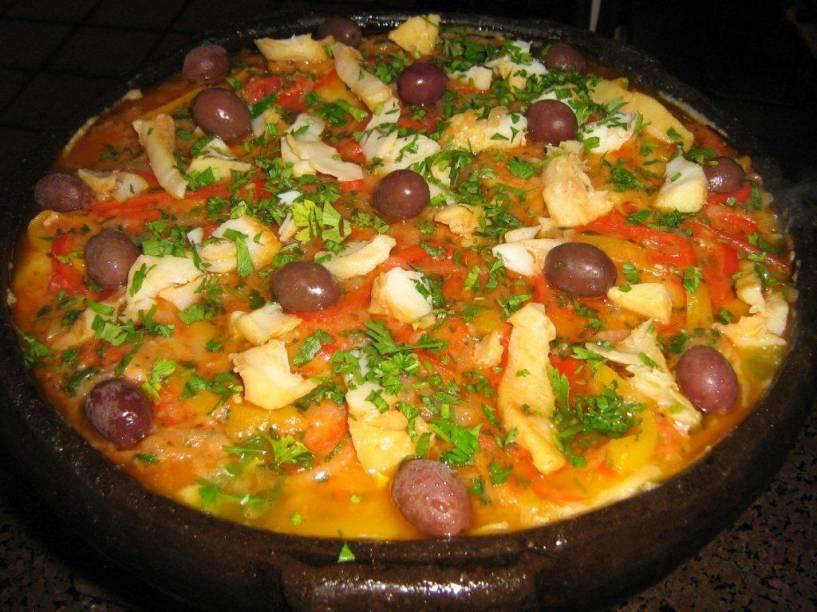 """<a href=""""http://viajeaqui.abril.com.br/estabelecimentos/br-rs-canela-restaurante-cantina-28"""" rel=""""Cantina 28 - Canela (RS) """" target=""""_self""""><strong>Cantina 28 </strong></a><a href=""""http://viajeaqui.abril.com.br/estabelecimentos/br-rs-canela-restaurante-cantina-28"""" rel=""""Cantina 28 - Canela (RS) """" target=""""_self""""><strong>–</strong></a><a href=""""http://viajeaqui.abril.com.br/estabelecimentos/br-rs-canela-restaurante-cantina-28"""" rel=""""Cantina 28 - Canela (RS) """" target=""""_self""""><strong> Canela (RS) </strong></a>Aconchegante, o restaurante tem uma decoração rústica, que lembra a casa da <em>nonna</em>. O carro-chefe são as polentas, servidas em panelas de barro e ferro. A receita italiana aparece nas versões mole, brustolada (tostada na chapa) e recheada, acompanhada por molhos funghi, calabresa e bolonhesa. Não deixe de provar uma generosa porção da polenta de bacalhau"""
