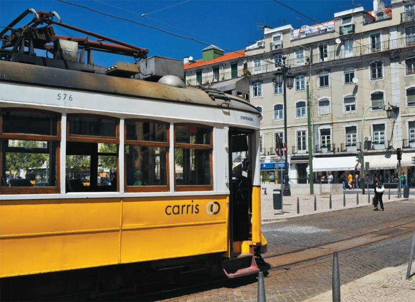 O bondinho que corta Lisboa, chamado de <strong>eléctrico</strong>, em Portugal