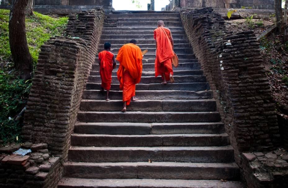 Monges budistas em Polonnaruwa