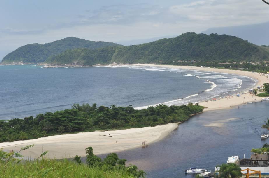 Praia da Barra do Una, São Sebastião, onde está a foz de rio homônimo