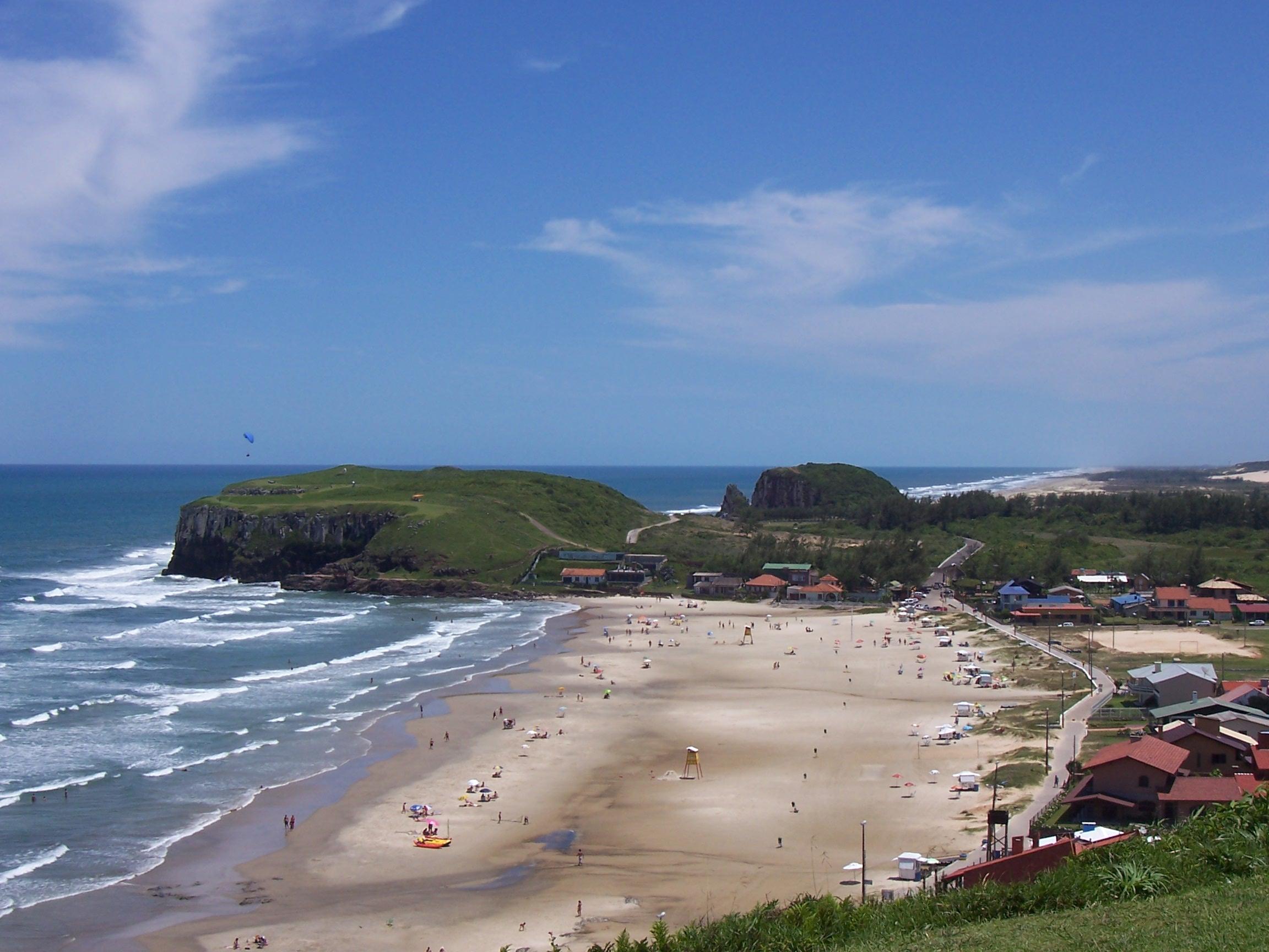 Falésias pelo mundo - Praia do Cal, em Torres (RS)