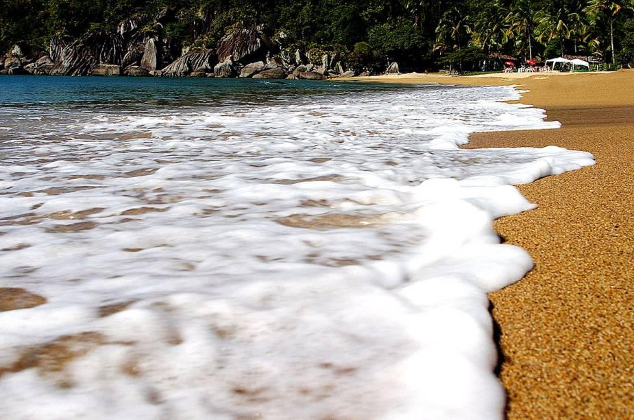 A <strong>Praia Jabaquara</strong> é a última praia com acesso de carro, ao norte de Ilhabela (SP)