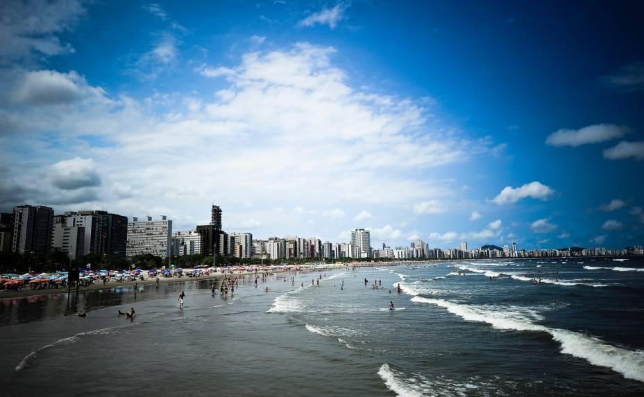 """<strong>5. <a href=""""http://viajeaqui.abril.com.br/cidades/br-sp-santos"""" rel=""""Santos"""">Santos</a></strong>A cidade no litoral de São Paulo recebeu um novo empreendimento em 2011, com 228 unidades. O valor geral de vendas é de 86 milhões de reais. O preço médio por metro quadrado está em 14.200 reais."""