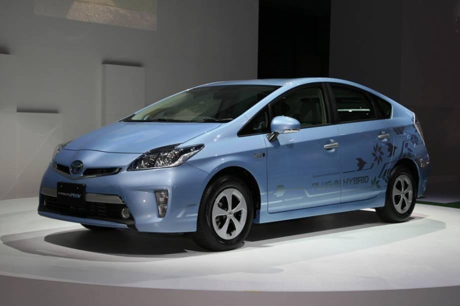 Mais bem-sucedido carro híbrido do mercado, o Toyota Prius já chegou a mais de 2 milhões de unidades vendidas em todo o mundo. A terceira geração do modelo deverá chegar ao Brasil em 2012 com a missão de ser uma ponta de lança para tecnologias mais limpas. O modelo plug-in, a ser lançado em março, poderá receber cargas diretamente da tomada