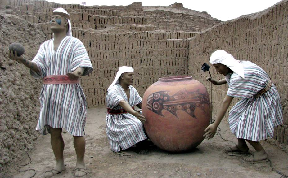 Representação de um ritual lima: a figura do tubarão aparece no vaso cerimonial