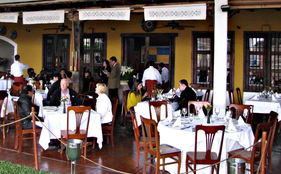 Há um refinado restaurante no sítio arqueológico: opção para um banquete à moda Lima