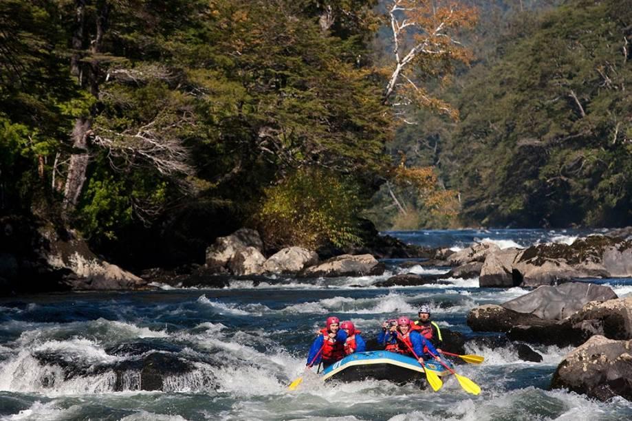 Rafting no rio Trancura, na região de Pucón