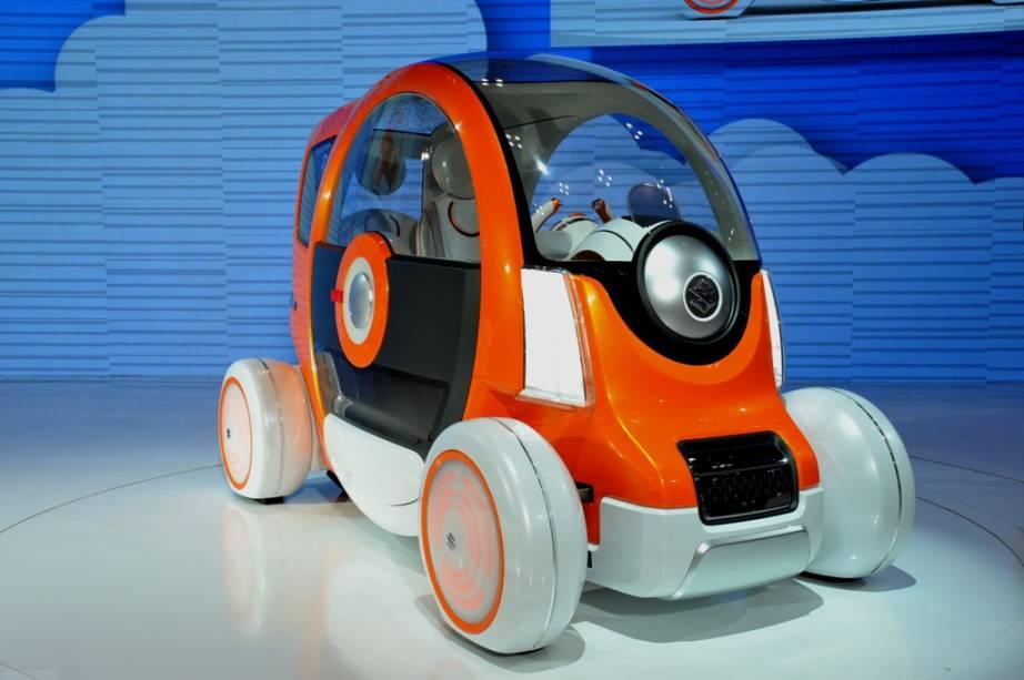 As grandes montadoras vêm apostando cada vez mais em protótipos que visam soluções para o transporte urbano. Com demandas por segurança, economia de combustível, menor emissão de poluentes e espaço reduzido, a Suzuki apresentou o Q-Concept , criado para duas pessoas