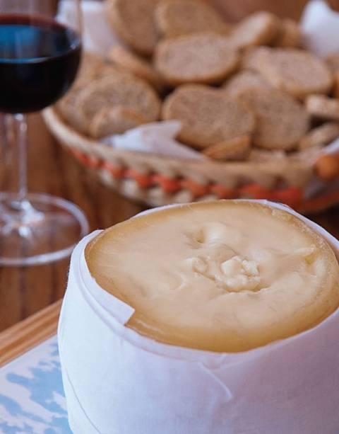 O queijo amanteigado da <strong>Serra da Estrela</strong>, uma delícia exclusiva da Terrinha