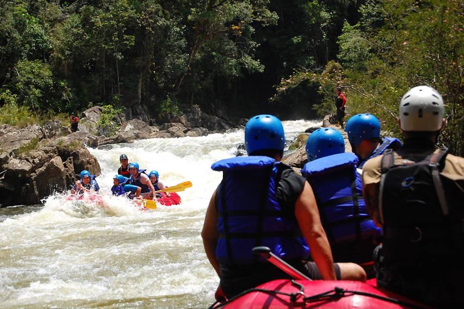 O rafting no Rio Paraibuna, em São Luiz do Paraitinga, está no cardápio de aventura da região