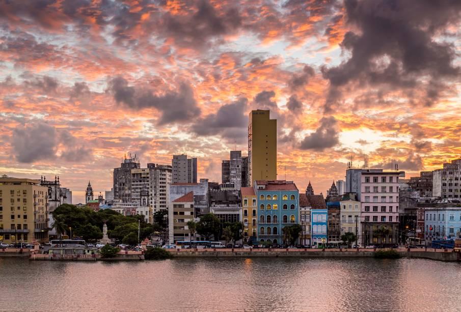 """Atrações culturais enriquecem o centro histórico de <strong><a href=""""http://viajeaqui.abril.com.br/cidades/br-pe-recife"""" rel=""""Recife"""" target=""""_self"""">Recife</a></strong>, cidade que oferece aos visitantes uma boa rede de hotéis e ótimos restaurantes"""