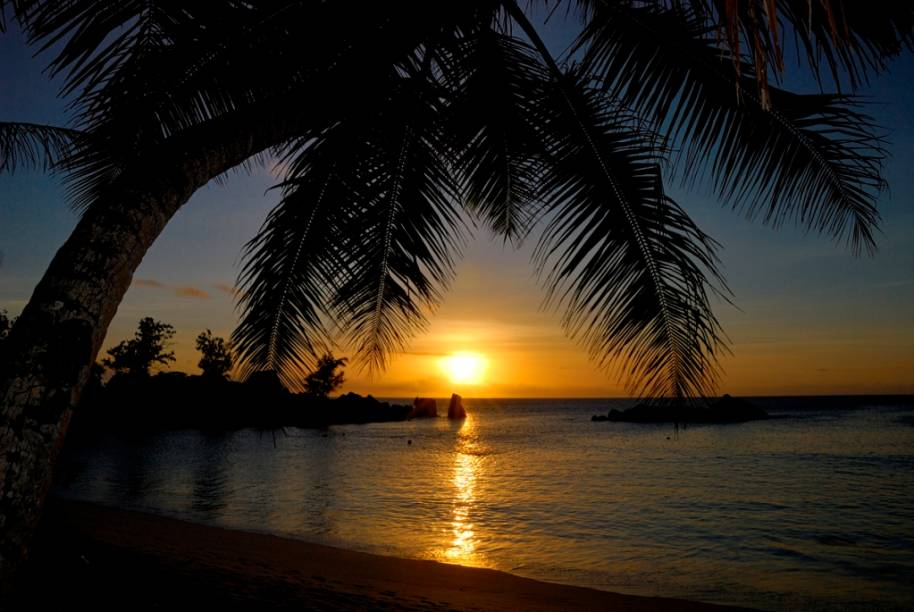 Pôr-do-sol em Anse Kerlan, na ilha de Praslin