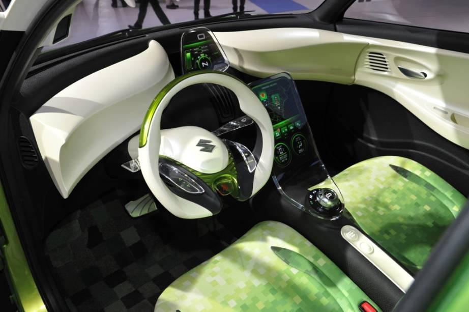 O subcompacto Regina, da Suzuki, é equipado com motor de 800 cc e prevê consumo de cerca de 26 km/L. Este é um dos protótipos da marca para um futuro modelo global