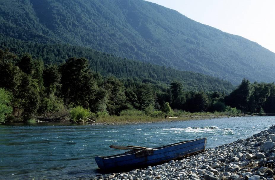 O rio Manso é muito procurado para a prática de rafting, uma das atividades mais bacanas para os turistas que visitam Bariloche