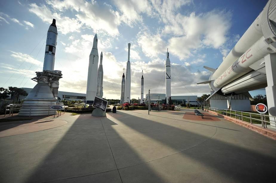 O Rocket Garden, cheio de foguetes que levaram homens e máquinas ao espaço