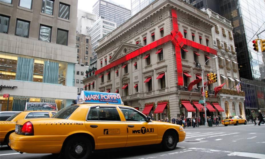 """Nova York, Estados Unidos. """"Arquitetura antiga decorada com tecnologia, um presente aos olhos de quem está somente de passagem."""""""