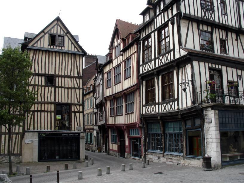 Casas típicas de Rouen, interior da França