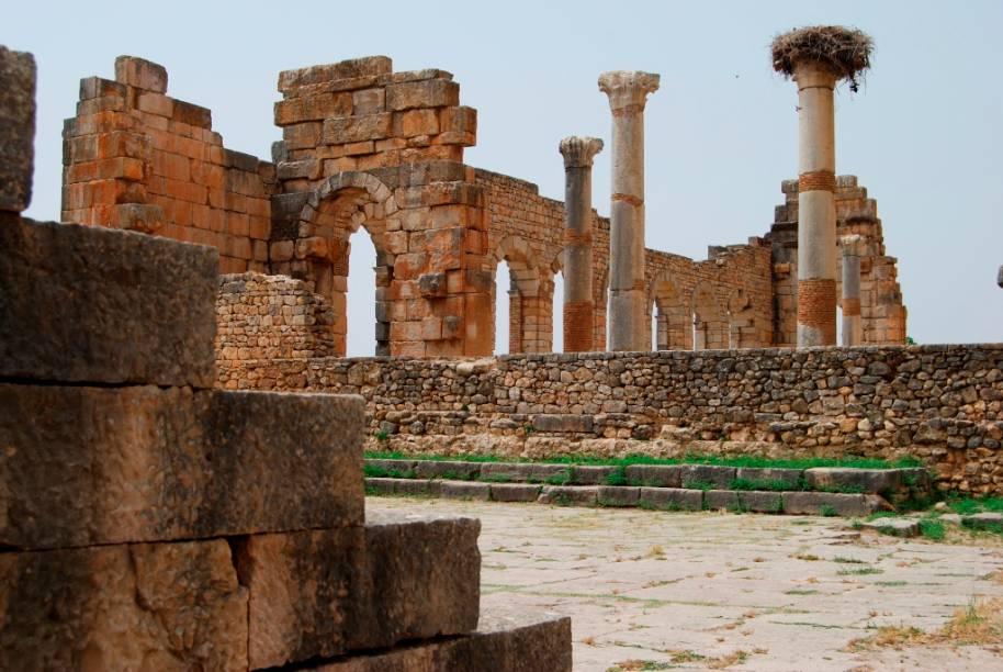 Ruínas de Volubilis, um assentamento romano sobre uma antiga vila fenícia no norte do Marrocos, próxima a Meknes
